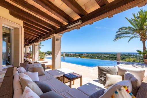 Majestätische Villa mit traumhaften Meerblick in Bendinat