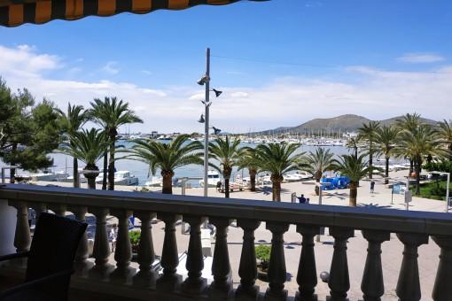 Tolles Apartment mit 3 Schlafzimmern in erster Linie am Hafen von Port Alcudia ab sofort frei