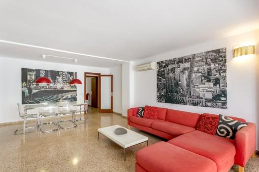 Großzügige und helle Wohnung mit Balkon in zentraler Lage in Palma
