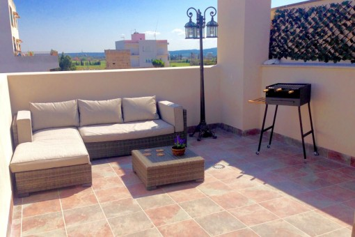 Neubau-Penthaus-Wohnung mit eigenem Eingang und Bergblick von der Dachterrasse in Palma-Son Ferriol