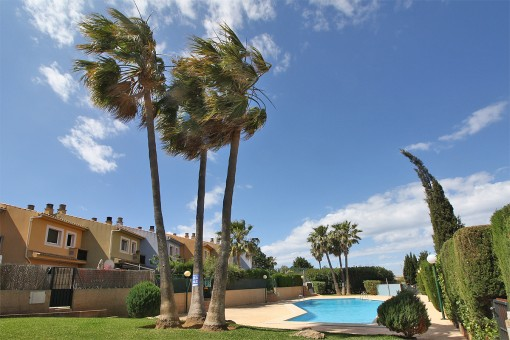 Gemütliches Reihenhaus in Wohnanlage mit schönem Pool in Sa Torre