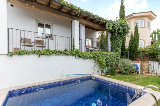Privater Pool des Hauses