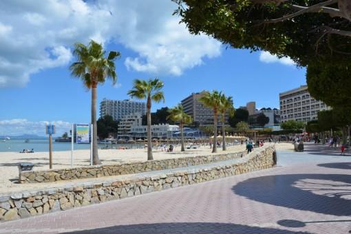 Helle Wohnung direkt am Strand von Palmanova