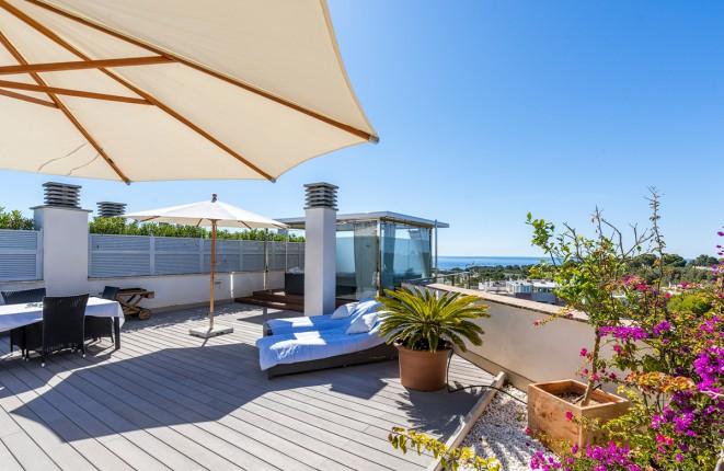 Moderne Penthouse-Apartment in Sol de Mallorca mit spektakulärer Dachterrasse und tollem Blick auf das Meer