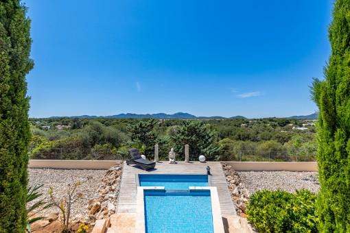 Moderne, hochwertige Villa mit Swimmingpool  und...