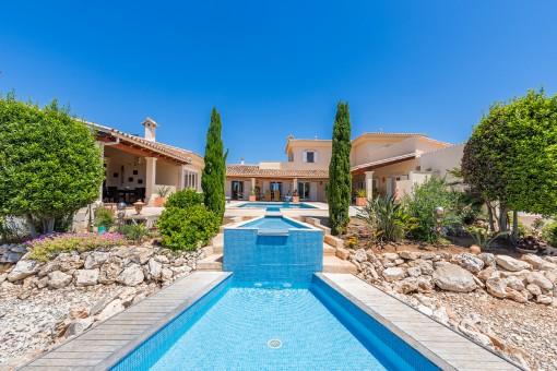 Moderne hochwertige Villa mit Swimmingpool und Meerblick in Cala Murada