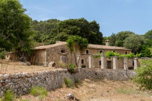 Renovierungsbedürftige Finca in privilegierter Umgebung in Esporles