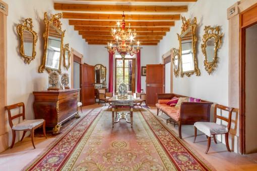Luxuriöses Zimmer mit Sitzbereichen