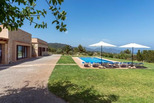 Hervorragendes Finca-Anwesen mit Panoramablick auf das Meer in den Hügeln von Son Servera