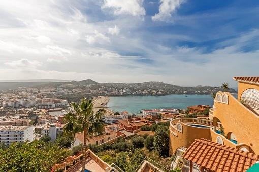 Praktische Wohnung mit Blick auf die Bucht von Santa Ponsa