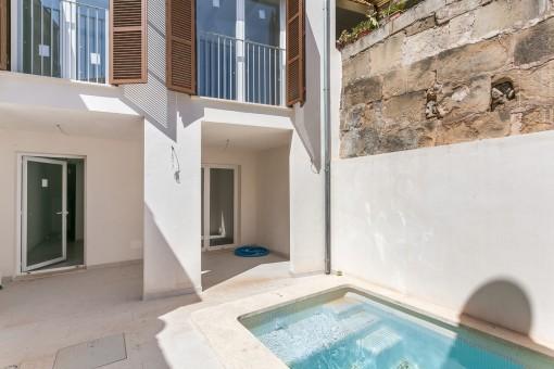 Modernes Wohnen in Pollensa im gerade fertiggestelltem Dorfhaus mit eigenem Pool