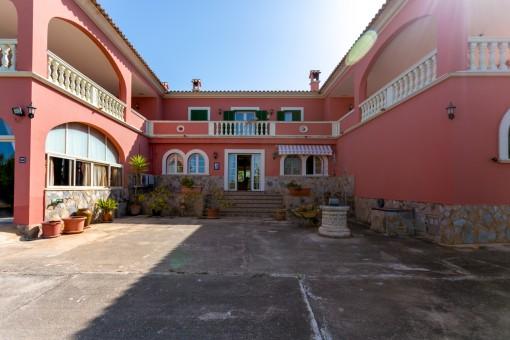 Zugang zum Haupthaus