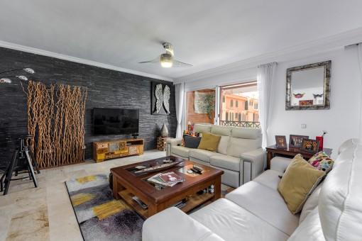 Schön renoviertes 3-Schlafzimmer Duplexapartment über Port Adriano