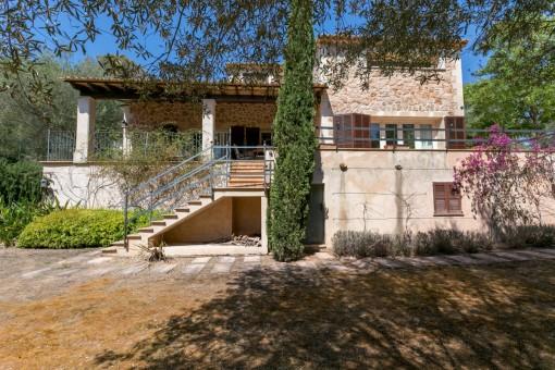 Originelle Villa mit hohen Decken und absoluter Privatsphäre in Esporles