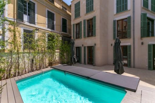 Exklusives Neubau-Duplex mit Pool im Herzen der Altstadt Palmas