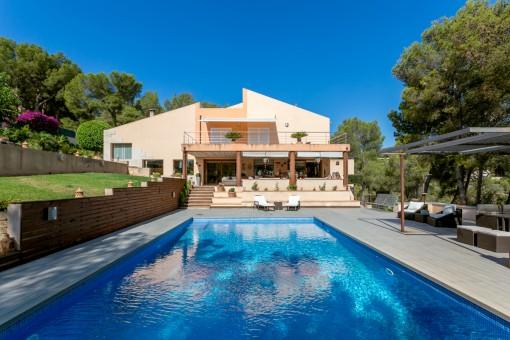 Luxusvilla mit viel Privatsphäre in bester Wohnlage in Cas Catala