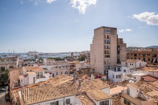 Penthouse mit sensationellem Blick über den Hafen und die Dächer von Palma, mitten in Santa Catalina
