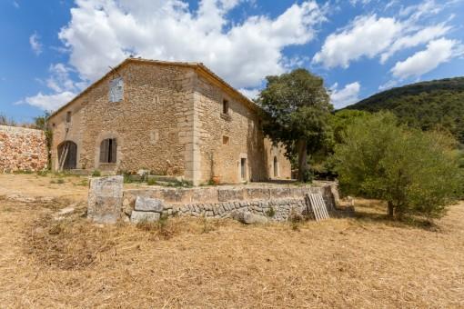 Geschichtsträchtige Finca mit fantastischem Blick in Randa im Süden Mallorcas