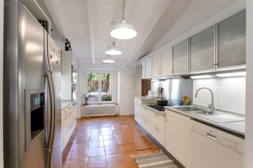 Separate, moderne Küche