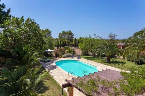 Wundervoller, mediterraner Poolbereich
