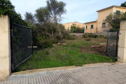 Grundstück in Sa Rapita wenige Meter vom Meer entfernt mit vorhandenem Basisprojekt