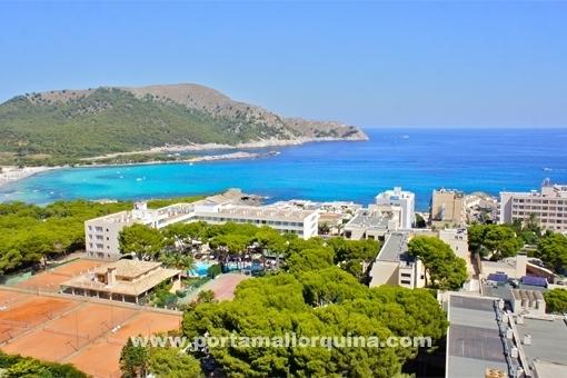 Großräumige Luxuswohnung im ersten Stock, in ruhiger Lage nahe dem Strand Cala Agulla