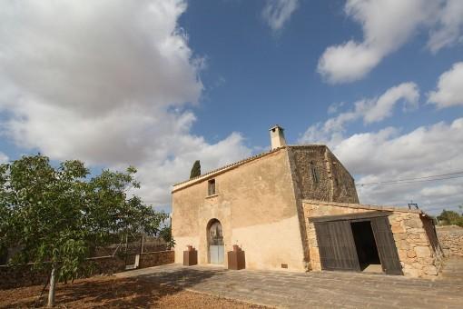 Historische Finca mit großem Grundstück und Möglichkeit für einen Neubau nahe Llucmajor