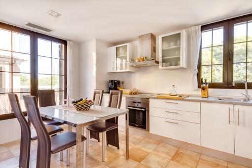 Helle, moderne Küche