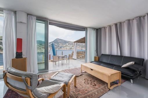 Wohnbereich mit direktem Terrassenzugang