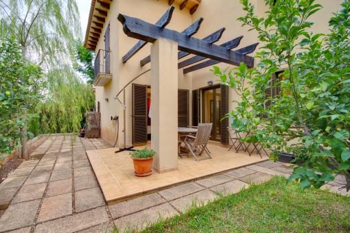 Erdgeschosswohnung mit privaten Gartenanteil in gepflegter Anlage in Puig de Ros