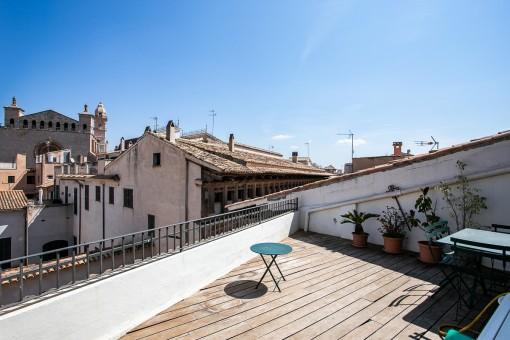 Schickes, unmöbliertes Penthaus-Apartment mit privater Terrasse in Palmas Nobelviertel Calatrava