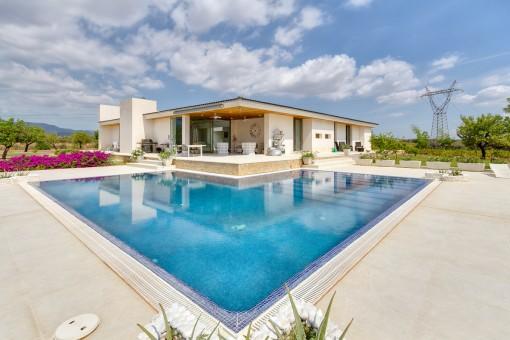 Spektakuläres minimalistisches ebenerdiges Haus mit eigenem Weinberg in Marratxí