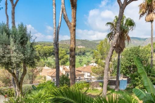Exklusive Wohnung mit herrlichem Blick und Pools in Bendinat