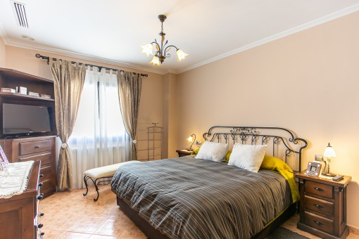 Schöner Hauptschlafzimmer