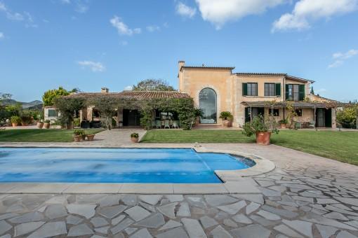 Finca mit Liebe zum Detail in guter Lage mit Pool, Sauna und Meerblick in Son Servera