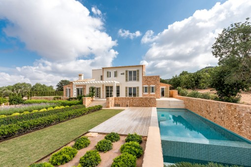 Einzigartiges Landhaus auf einem 15.000 qm...
