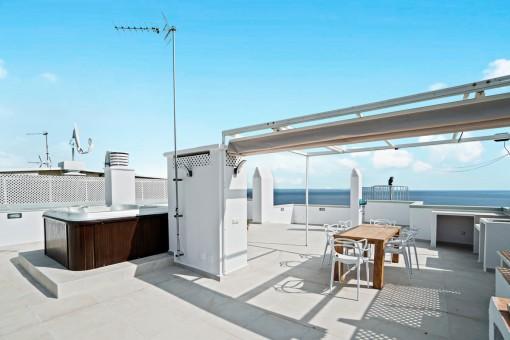 Frisch saniertes Penthouse mit wunderbarem Meerblick, großer Dachterrasse und Jacuzzi in San Agustin