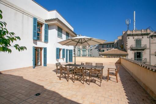 Tolle Kombination aus Büro und Wohnraum mit 100 qm großer Terrasse in Palmas Altstadt