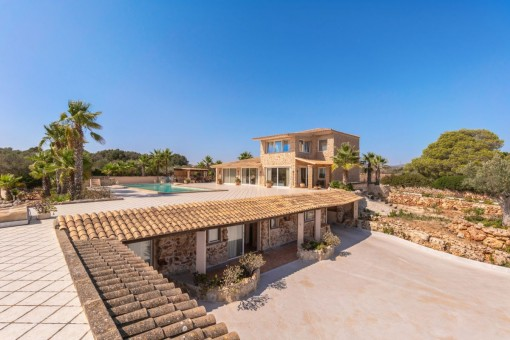 Malerische Villa mit Gästeapartment und Pferdeställen zwischen Son Carrio und Son Servera