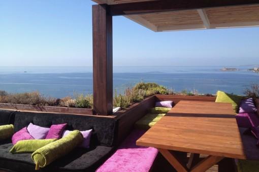 Spektakuläres Architekten-Penthouse mit Panoramablick direkt über dem Strand von Cala Major