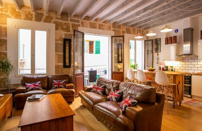 Wunderschöne, liebevoll renovierte Altstadtwohnung mit toller Dachterrasse in Palma