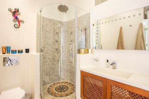 Schönes en Suite Badezimmer