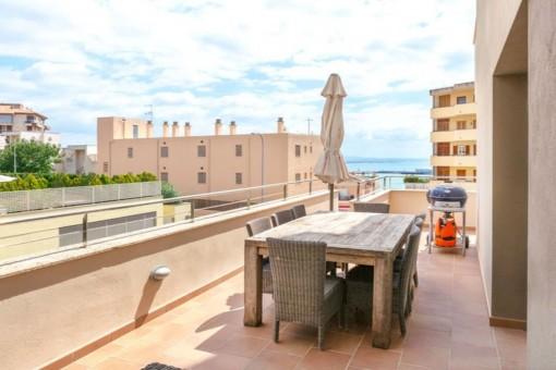 Modernes Apartment mit Blick auf den Hafen in bester Wohngegend von Palma