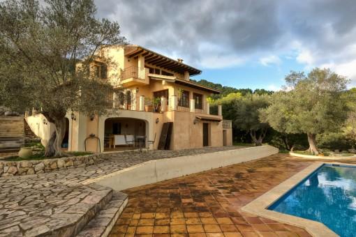 Schöne Villa mit herrlichem Blick in Puigpunyent