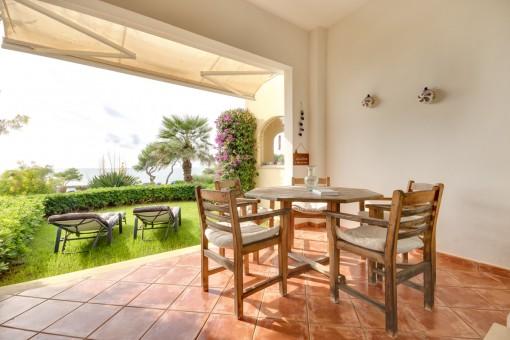 Herrliche Garten-Wohnung direkt am Meer in Vallgornera