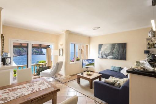 Penthouse mit atemberaubenden Blick auf die Küstenlandschaft in Cala Llamp