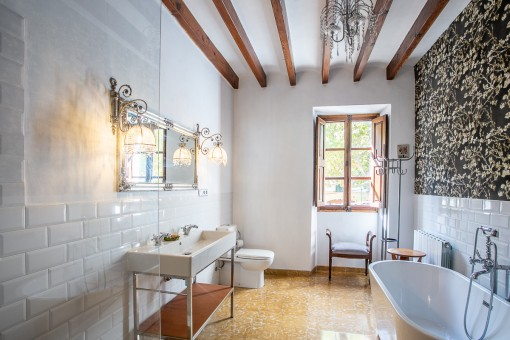 Schön renoviertes Badezimmer