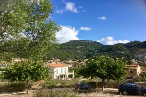 Städtisches Grundstück mit Panoramablick über das Dorf Esporles