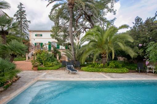Herrschaftliche Villa im renovierten Altbaustil mit bezauberndem Garten in Palma - Son Rapinya