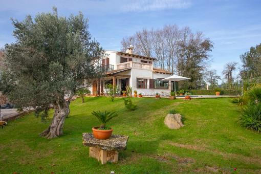 Schöne Finca, kürzlich modernisiert mit 4 Schlafzimmern, Pool und Ferienlizenz für 6 Personen bei Arta